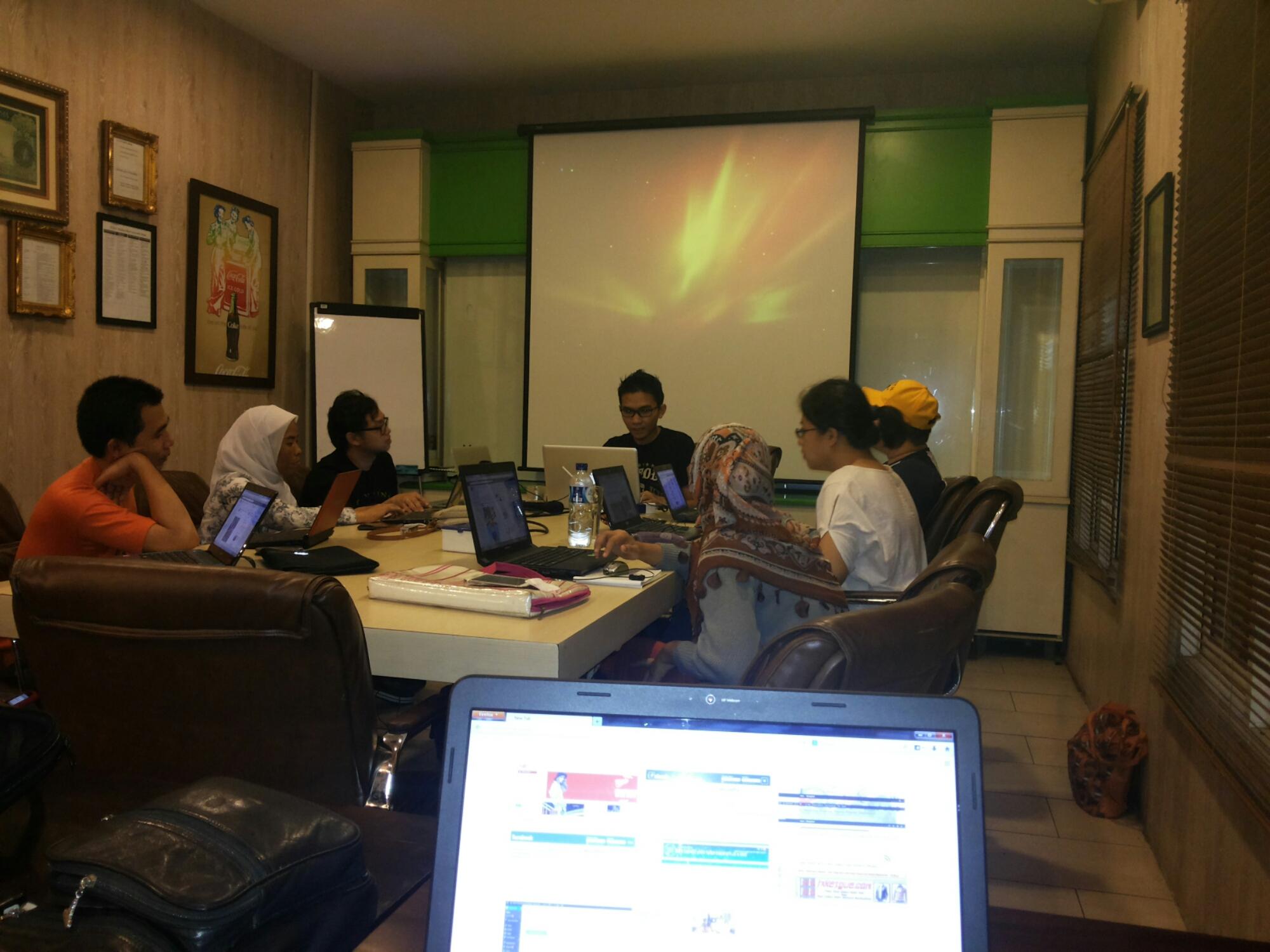 Diskusi Pelatihan Wirausaha Bisnis Online dan Internet Marketing Film Guardian